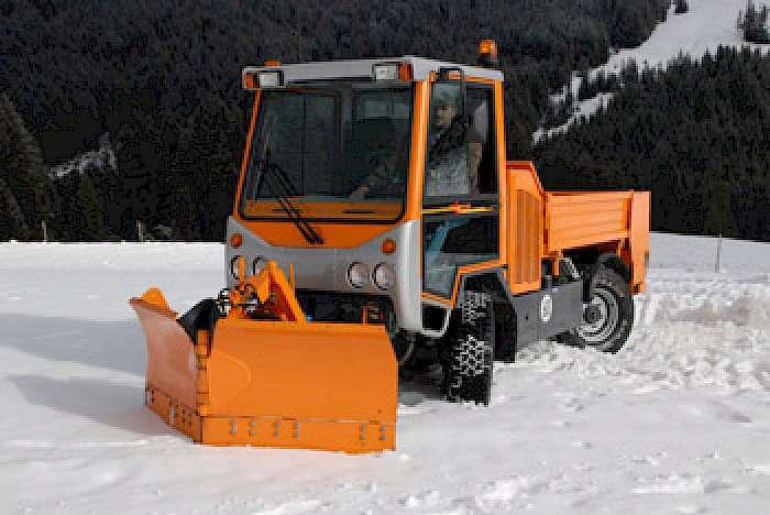 Ganz und zu Extrem Kommunalfahrzeuge für den Winterdienst | KommunalTechnik &NR_72